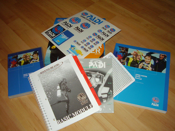 PADI OWD DVD-Kit (Inhalt)