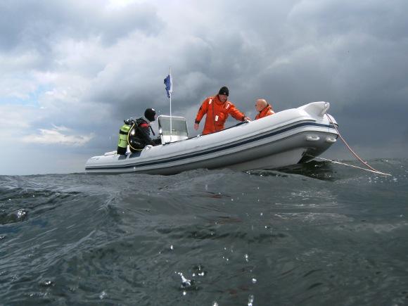 Ausstieg aus dem Schlauchboot